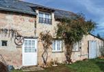 Location vacances Longué-Jumelles - One-Bedroom Holiday Home in Allonnes-1