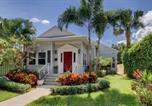 Location vacances West Palm Beach - Nini's Cottage Majestic-1