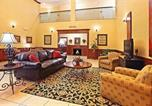Hôtel Russellville - Holiday Inn Express Hotel & Suites Clarksville-1