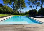 Location vacances Bouc-Bel-Air - Architect Designed Villa & Iconic View-4