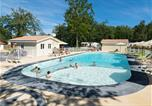 Camping avec Ambiance club Charente-Maritime - Camping Les Chèvrefeuilles-1