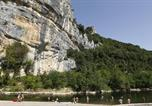 Camping  Acceptant les animaux Saint-Privat-de-Champclos - Domaine de La Genèse-1