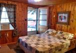 Hôtel Custer - Trails End Cabins & Motel-4