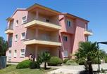 Location vacances Sukošan - Apartments Soline-1