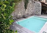 Location vacances Saint-Dizant-du-Gua - Holiday Home Mortagne Grande Rue-2