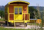 Camping avec Hébergements insolites Trédrez-Locquémeau - Les Roulottes des Korrigans-3