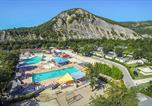 Camping Vallon-Pont-d'Arc - Camping Plage Fleurie
