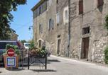 Location vacances La Garde-Adhémar - Holiday home Impasse des Remparts-2