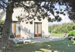 Location vacances Boisroger - Holiday home Rue Du Soleil Couchant Ii-1