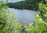 Location vacances Baie-Sainte-Catherine - 352-Maison sur le Lac-1