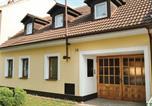 Location vacances Moravská Nová Ves - Three-Bedroom Holiday Home in Josefov u Hodonina-4