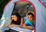 Camping avec Piscine Rivières - Camping Les Pommiers d'Aiguelèze-2