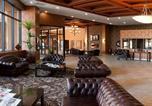 Hôtel Lethbridge - Coast Lethbridge Hotel & Conference Centre-1