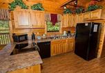 Location vacances Pigeon Forge - Harrisons Hideout by Sugar Maple Cabins-1