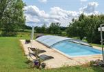 Location vacances Bardou - Holiday Home Naussannes with Fireplace 12-4
