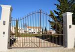 Location vacances Camaret-sur-Aigues - Le Mas Saint Philippe-1