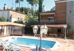 Location vacances la Torre de Claramunt - Holiday Home Can Formiga with Fireplace I-1