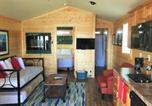 Hôtel Ocean Shores - Westport Marina Cottages-4