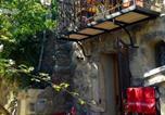Location vacances Arpaillargues-et-Aureillac - La Maisonnette romantique-3