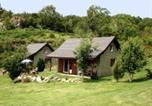 Camping Plateau de Cézallier - Chalets de l'Eau Verte-3