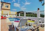 Location vacances Santa Susanna - Three-Bedroom Holiday Home in Santa Susanna-1
