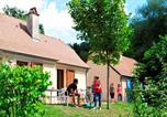 Camping avec Ambiance club Salles-Curan - Domaine Du Surgie-3