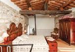 Location vacances Chiusdino - Holiday Home Montieri (Gr) I-3
