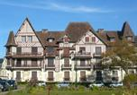 Location vacances Cabourg - Apartment Le Normandie Home.2-1