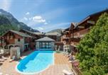Location vacances Val-d'Isère - Residence Pierre & Vacances Les Chalets de Solaise-1