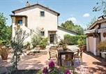 Location vacances Ronciglione - Two-Bedroom Holiday Home in Capranica Vt-4