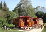 Location vacances Saint-Uze - Les roulottes Côté Bohème-1