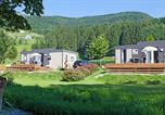 Camping avec Site nature Huanne-Montmartin - Kawan Village - Le Domaine de Champé-3