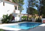 Location vacances Sant Jaume d'Enveja - Residence El Pinar