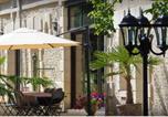 Hôtel Saint-Ouen - La Cave Margot-3