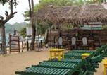Hôtel Arugam - Point View Arugambay Deans Beach Hotel and Restaurant-1