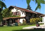 Location vacances Faverges-de-la-Tour - Chalets Gîtes La Croisée des Chemins-1