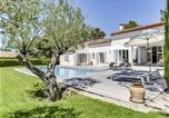 Location vacances Lambesc - Tres belle villa sur le golf de Pont-Royal, a Mall-1