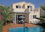 Villages vacances Son Xoriguer - Holiday Park Villas Amarillas V3d Ac 02-1
