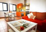 Location vacances Caleta de Sebo - Apartamentos Casas Nely-1