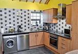 Hôtel Llanfair Pwllgwyngyll - Y Bwthyn-4