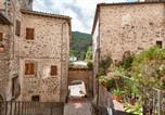Location vacances Vallo di Nera - Two-Bedroom Apartment in Scheggino I-1