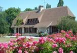 Hôtel Saint-Etienne-la-Thillaye - Chambre d'hôtes les Charmes-1