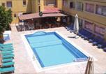 Hôtel Ayia Napa - Nick's Hotel Apartments-1