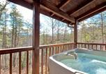 Location vacances Gatlinburg - Black Bear Hideaway - Three Bedroom Cottage-2