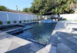 Location vacances Pompano Beach - Hibiscus Ocean Holiday Home-3