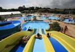 Camping avec Parc aquatique / toboggans Plonévez-Porzay - Camping de la Plage de Cleut Rouz-2