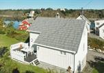 Location vacances Averøy - Two-Bedroom Holiday home in Averøy 7-4