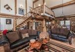 Location vacances Ruidoso - Panther Lodge Three-bedroom Holiday Home-2