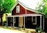 Location vacances Bentonville - Redwood Cottage-1
