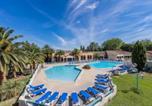 Location vacances Fontvieille - Residence Les Hameaux de Camargue